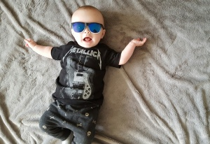 rlt in h&m metallica tee, zara pants and h&m sunglasses
